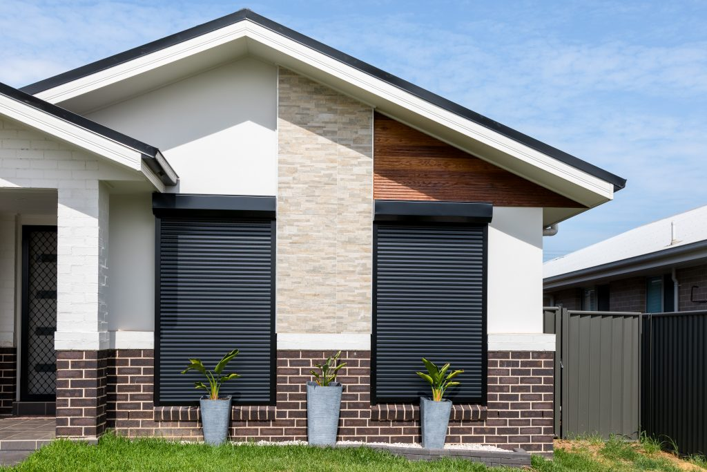 Easy Tips for Fixing Your Broken Roller Windows At Home